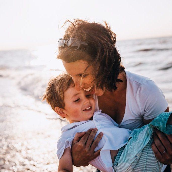 Vaiko kūno priėmimas priklauso nuo tėvų santykių į save